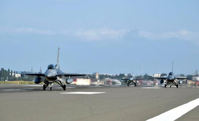 Türk F-16'ları dev tatbikat için Azerbaycan'da