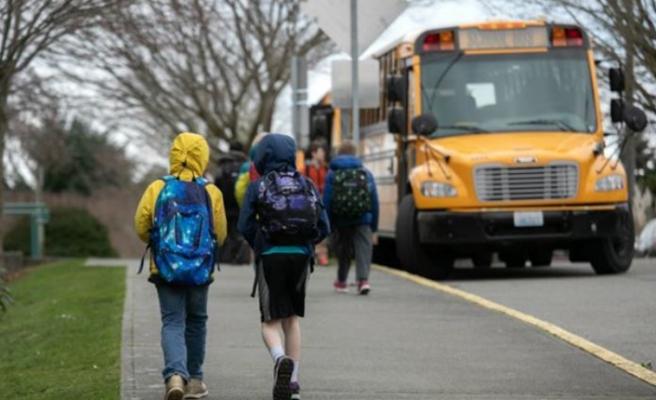 Koronavirüs vakaları arttı! ABD'de okula dönüş kararlarında geri adım
