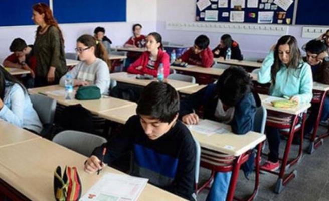 Liselerde yeni dönem: Resmi tatilde puanlı ödev yok