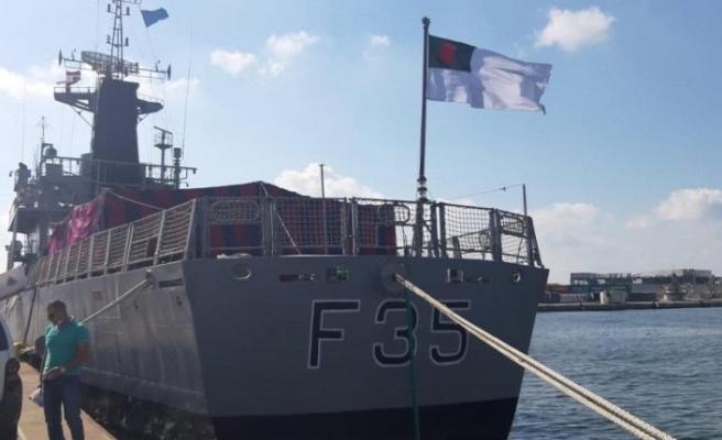 TCG İnebolu, Bangladeş donanmasına ait askeri gemi için Beyrut'a geldi