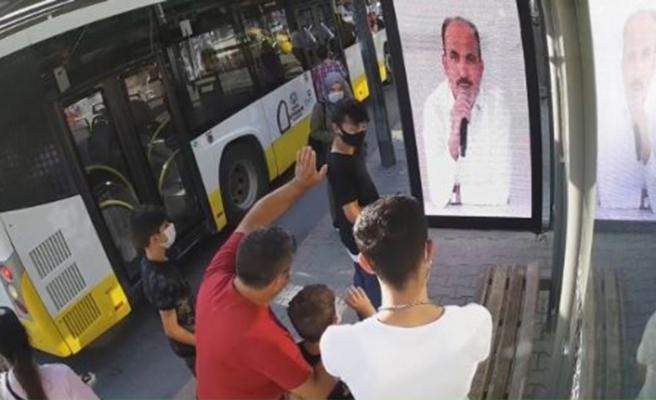 Türkiye'de bir ilk! Konya'da başkan duraktan canlı seslendi: Maske mesafeye dikkat