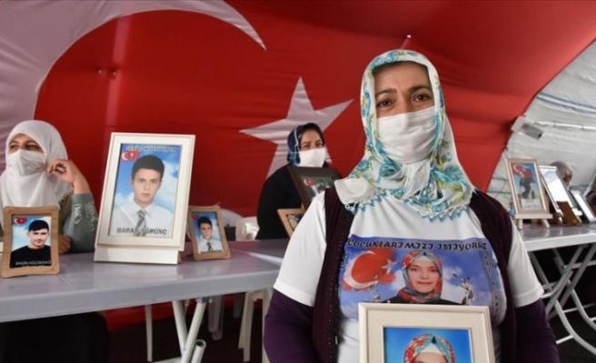 Diyarbakır annelerinden Akkuş: Kızım neredeysen Allah rızası için sesini duyur