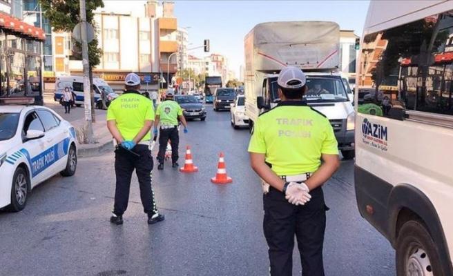 İstanbul'da araçlarda Kovid-19 denetimi
