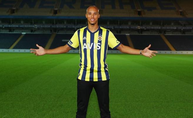 F.Bahçe'nin yeni transferi Tisserand: 'Hırs küpüyüm'
