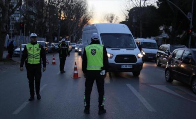 İstanbulun 39 ilçesinde koronavirüs denetimi