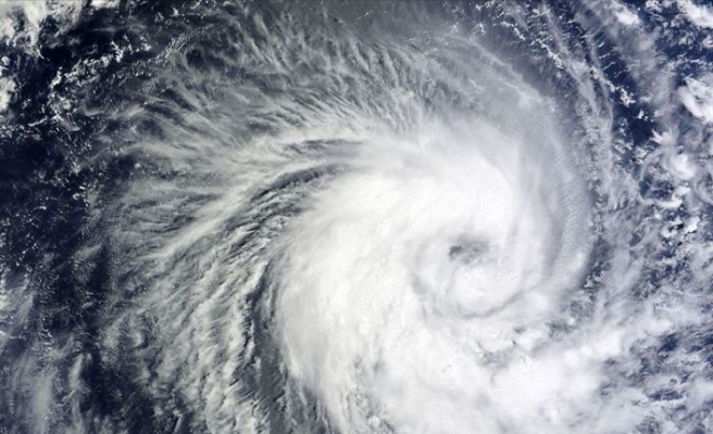 Nana tropikal fırtınası Orta Amerika kıyılarına yaklaştı