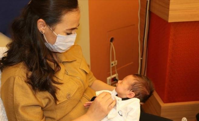 Önce organ nakliyle hayata tutundu, sonra tüp bebekle anne oldu