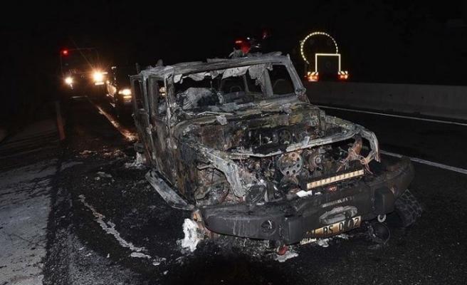 Muğla'da otomobilde çıkan yangın ormana sıçradı
