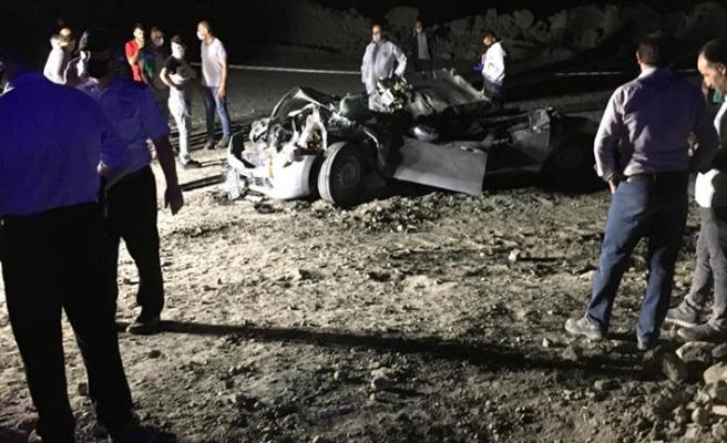 Termik santralde feci kaza! Kamyon, içinde yolcu bulunan aracı biçti