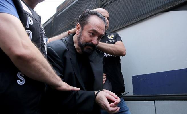 Adnan Oktar: 'Villayı arkadaşım ödüyor, ben misafirim'