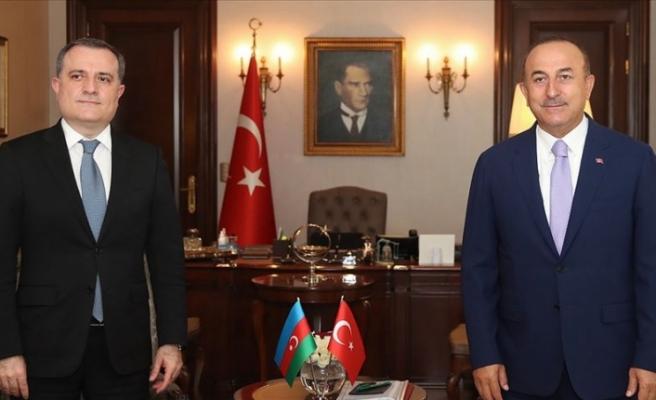 Bakan Çavuşoğlu Azerbaycan Dışişleri Bakanı Bayramov ile görüştü