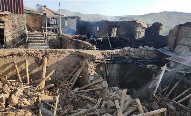 Devlet Tunceli'de evleri yanan ailelerin yaralarını saracak