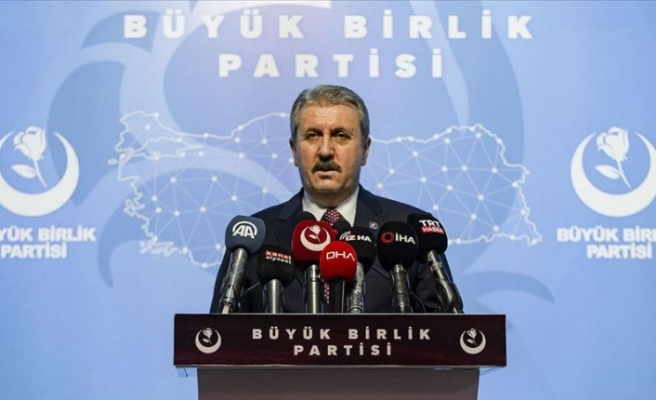Mustafa Destici'den Anayasa Mahkemesi üyesine tepki