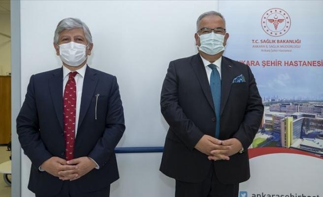 Rektör Yardımcıları Kovid-19 aşı denemesi için gönüllü oldu