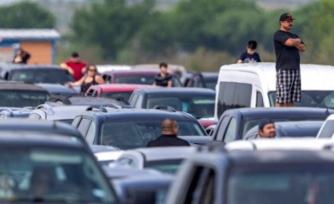ABD'nin Dallas kentinde 25 bin kişi gıda yardımı için sıraya girdi