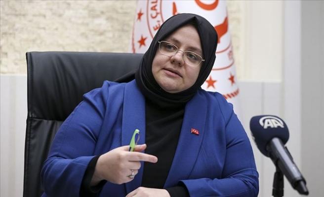 Aile, Çalışma ve Sosyal Hizmetler Bakanı Selçuk koronavirüse yakalandı