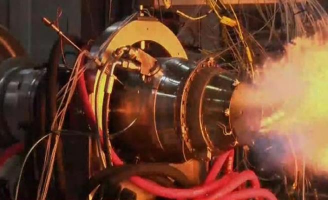 Bakan Varank Milli Turbojet Motoru'nu test etti