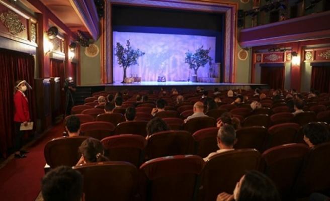 Devlet Tiyatrolarında gösterim saatlerine kısıtlama düzenlemesi