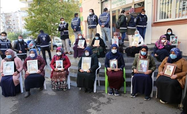 Diyarbakır annelerine tüküren şahıs yakalandı