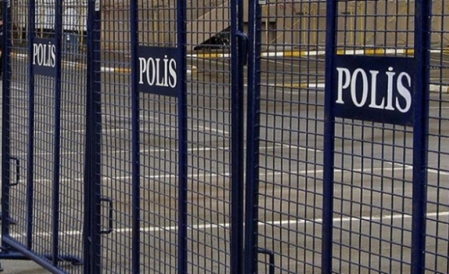 Hakkari'de gösteri ve yürüyüşler geçici olarak yasaklandı
