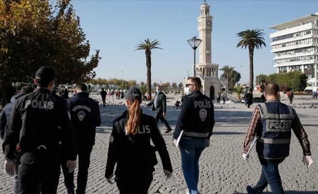 İzmir'de sıkı Kovid-19 denetimleri! Ceza yazılan vatandaştan tebrik!