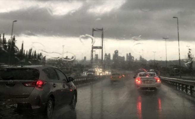 İstanbul'da aralıklı sağanak bekleniyor