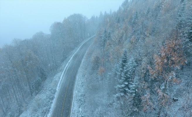 Mevsimin ilk karı düştü, kartpostallık görüntüler oluştu