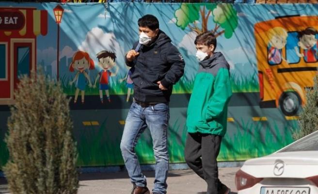 Ukrayna'da 14 bin 580 ile en yüksek günlük Kovid-19 vakası sayısı kaydedildi