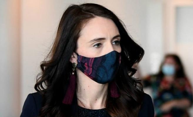 Yeni Zelanda'da kısmi maske takma zorunluluğu getirildi
