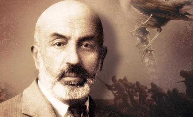 Cenaze töreni bile çok görülen Milli Şair: Mehmet Akif Ersoy