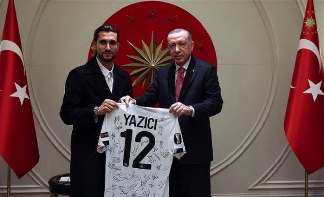 Cumhurbaşkanı Erdoğan Milli Futbolcu Yusuf Yazıcı'yı kabul etti