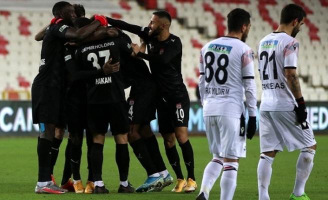 Demir Grup Sivasspor sahasında kazandı: 3-1