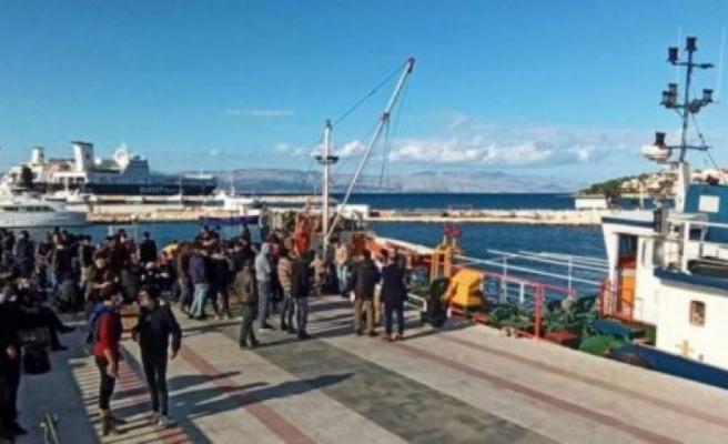 Gemiye baskın: 187 sığınmacı yakalandı