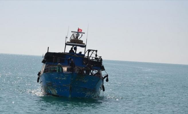 Göçmen teknesi battı: 20 ölü
