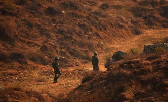 Hindistan sınır hattında sivilleri öldürüyor