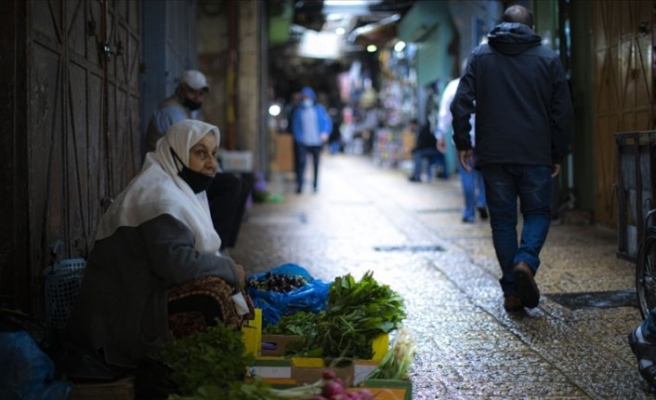 Koronavirüs aşısını uygulayan İsrail, Filistinlileri kaderine terk ediyor