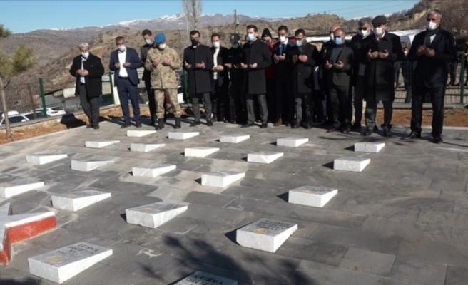 Terör örgütü PKK'nın Hamzalı vahşetinde şehit olan 6'sı çocuk, 9'u kadın 23 kişi anıldı