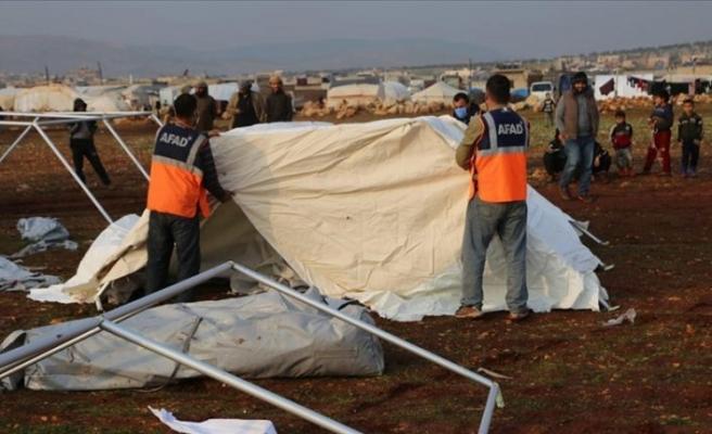 Türkiye'den İdlib'de sel felaketine uğrayanlara yardım