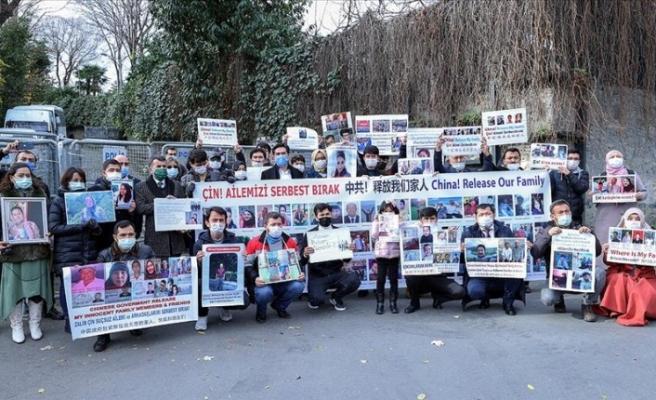 Uygur Türkleri'nin Çin başkonsolosluğu önündeki eylemleri sürüyor