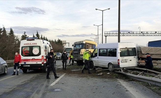 2 yaralı: Anadolu Otoyolu'nda kaza