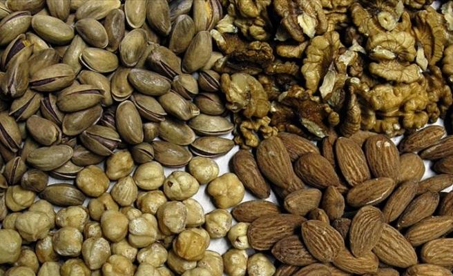 Kırklı yaşlardan sonra  kabuklu yemiş tüketmek bunama riskini azaltıyor
