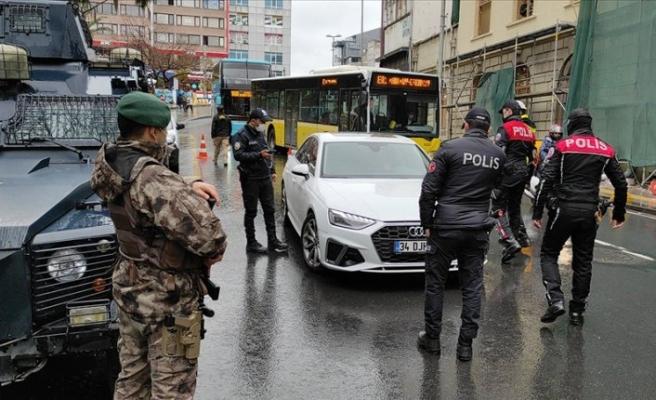 Kolluk kuvvetleri 'Yeditepe Huzur' asayiş uygulaması yapıyor