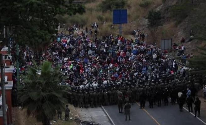 Guatemala ordusundan ABD'ye gitmeye çalışan 9 bin göçmene müdahale