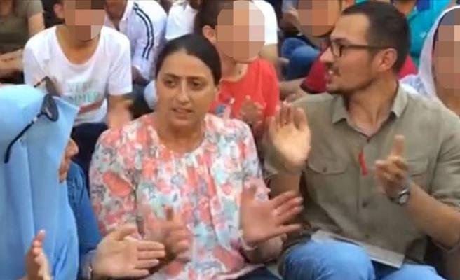 PKK'lı terörist ile  HDP'li  milletvekilinin fotoğrafları dava dosyasında