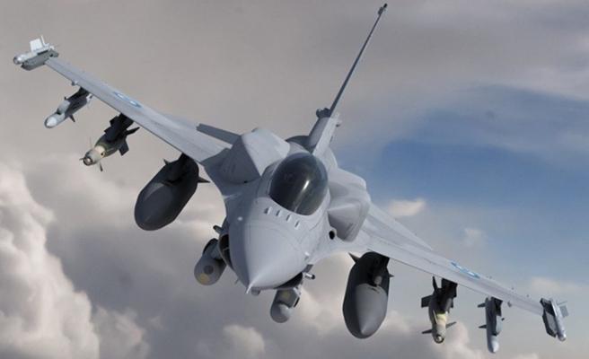Yunanistan'ın 'Viper' seviyesine yükseltilmiş ilk F-16 uçuşunu yaptı