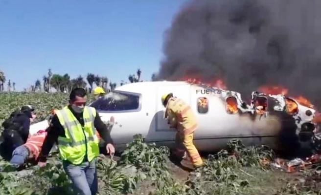 Askeri uçak düştü: 6 ölü