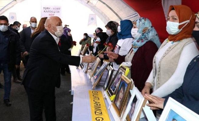 Hak-İş Başkanı Diyarbakır annelerini ziyaret etti