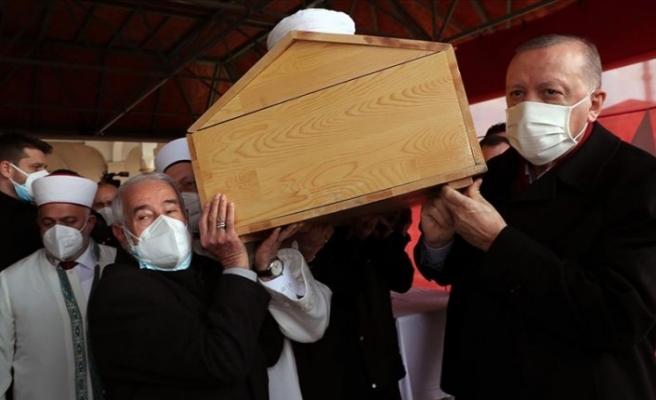 Erdoğan: Binlerce hafızı yetiştirmek her yiğidin karı değil