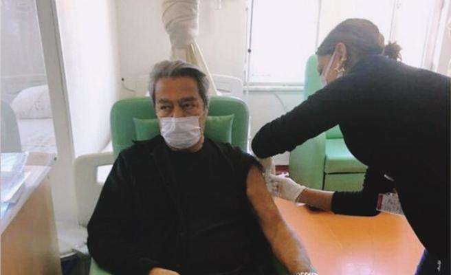 Kadir İnanır Kovid-19 aşısını yaptırdığını duyurdu