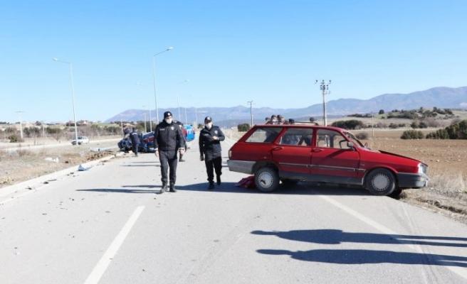 Otomobil ile jandarma aracı çarpıştı: 4 yaralı